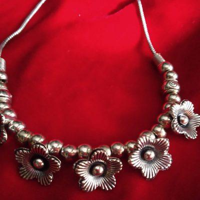 Trendilook German Silver Flower Neckpiece