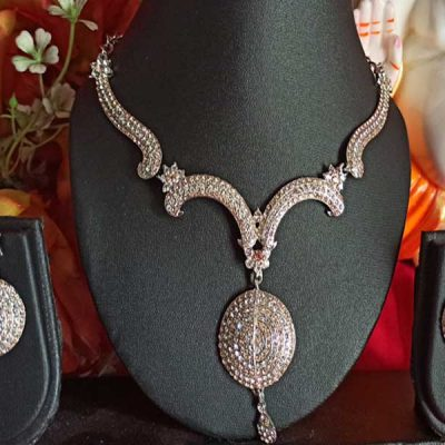 Trendilook Stone Necklace Set