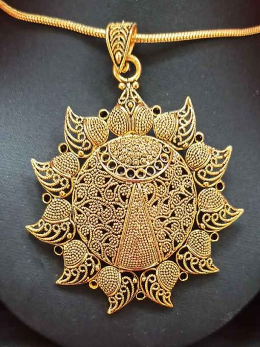 Trendilook Gold Plated Neckpiece