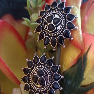 Trendilook German Silver Kundan Sunflower Stud Earring